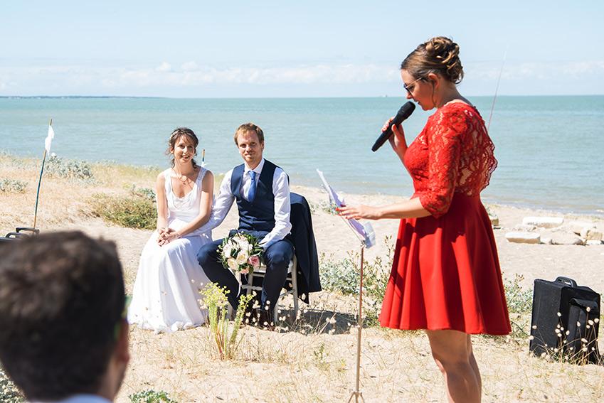 photographie mariage oleron ceremonie laique plage