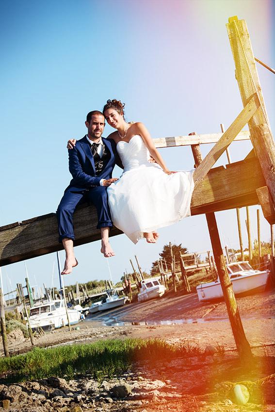 photographie mariage mer bateau peids nus